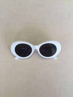 Clout Goggles Oval Sunglass