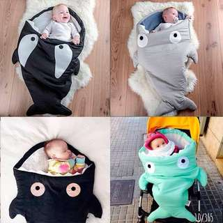 SLEEPING BAG BABY SHARK