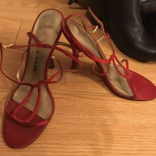Red heels size 8