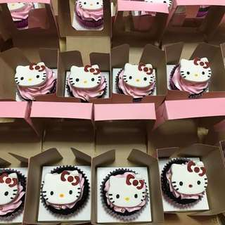 Customized Cupcakes w/ Box & Tag
