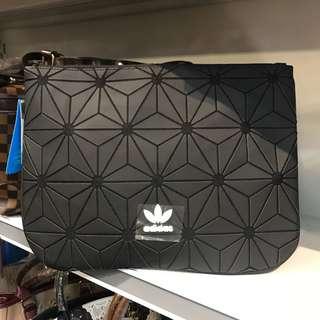 Adidas issey clutch black
