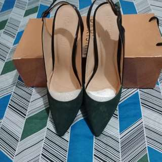 parisian pointed shoe