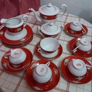 Tea Set merah
