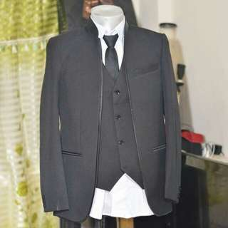 Suit for Groomsmen for rent/Sale (xs)