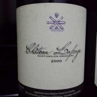 2000年紅酒一支