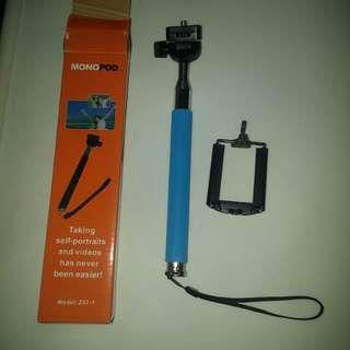Blue Selfie Stick mono pod 97cm long (super new)