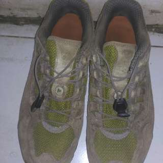 sepatu hiking merrel