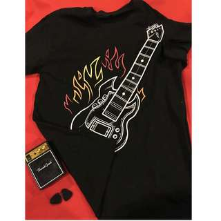 Playable Electronic Rock Guitar Shirt size M by Think Geek