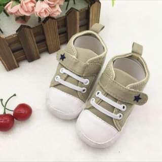 Baby soft shoe prewalker sneaker
