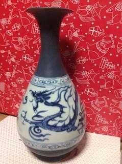元代青花龙纹瓶