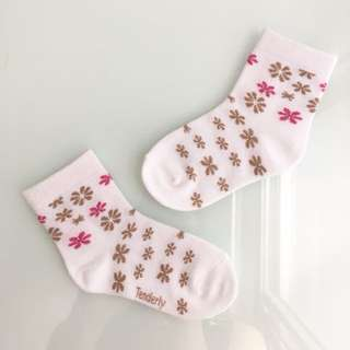 TENDERLY White w/ Flower Patterns: Baby/Toddler Socks for Girls (1-3 years)