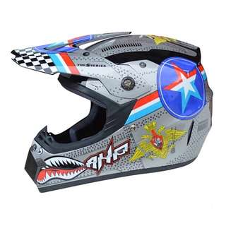 Silver Grey with Star Emblem Shark Designs Full Face Motorcycle Helmet Scrambler Motorcross Motocross Scrambler Off Road Dirt Bike