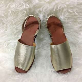 Chic Gold Sandals (size 37 to 41)