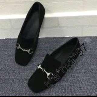 全新黑色羊猄皮真皮平低鞋