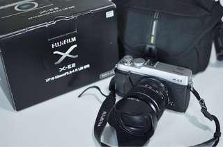 Fujifilm X-E2 Silver with 18-55mm F2.8-4 lens