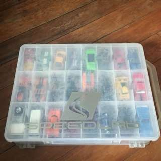 Storage case with 28pcs toy cars