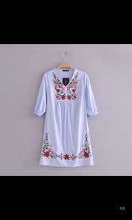 Europe and the United States new national wind flower embroidery V collar blue pinstripe dress