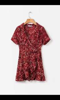 Europe and the United States new brick red floral V-neck waist tie lotus leaf short-sleeved dress