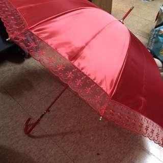 結婚出門紅傘