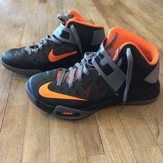 Nike lebron soldire 6 (Basketball shoes)