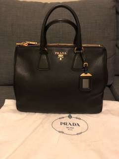 ❤️100% Authentic Prada bag