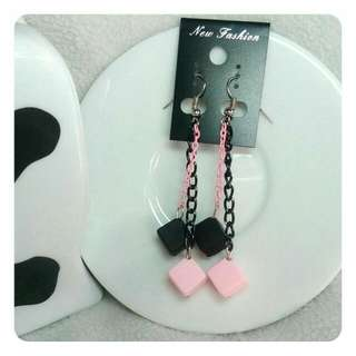 Pinky girly anting