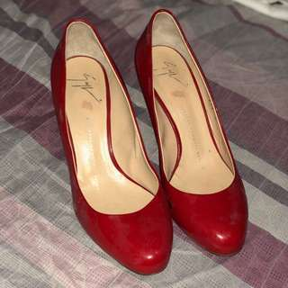 Authentic Giuseppe Zanotti Red leather Pumps