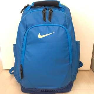 [清櫃] 7成新 Nike 背囊 超實用超多間格 尺寸約 28cm長 x 22cm濶 x 50cm高 P.S. 背部位置有一少點污跡🙇🏻♀️