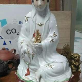 Gold Leaf Guang Yin