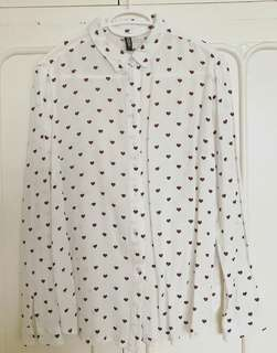 H&M divided heart print top