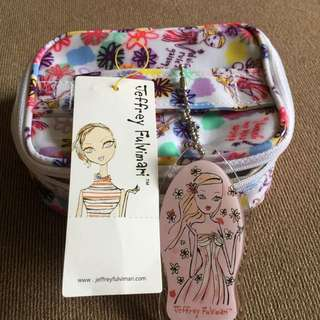Cosmetic small bag