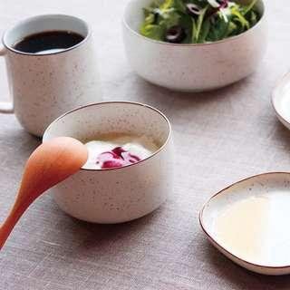 🚚 [惠]日本 224Porcelain 梨地早晨系列 - 餐碗[S] 香草色