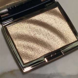 ANASTASIA BEVERLY HILLS x AMREZY HIGHLIGHTER BRAND NEW & AUTHENTIC (NO OFFERS, NO SWAPS)