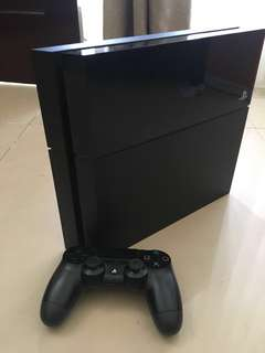 Playstation 4, bonus 5 games. Murah! Tinggal main!