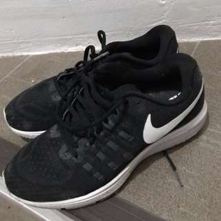 authentic nike zoom vomero