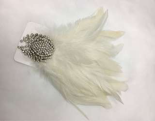 Claire's feather hair clip