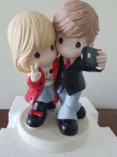 "Precious Moments Limited Edition 9 inch figurine ""I ❤ SG"""