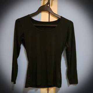 Black Long Sleeve Top (Uniqlo Heatech)
