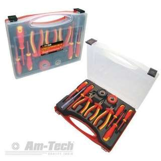 S9Q1 - AM-TECH 11 PIECE ELECTRICIAN TOOL SET 1000VAC