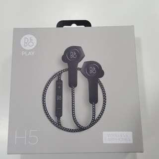 Bang & Olufsen H5 wireless earphone