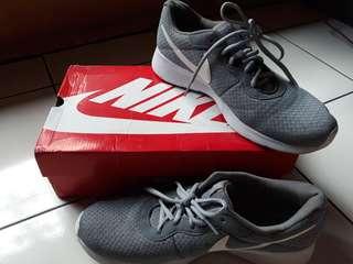 Nike Tanjun Grey