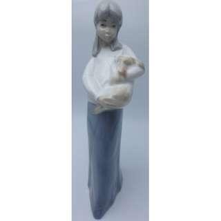 西班牙 Spain ~ CASADES 小女孩抱小狗 陶瓷公仔