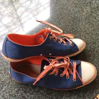 Converse Blue Orange