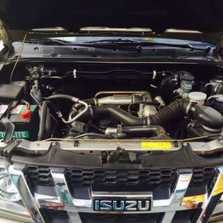 2013 Isuzu crosswind sportivo for sale