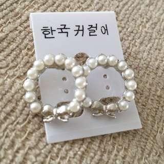 BN Korean Pearl Ribbon Ear Ring &  Pearl Black Ribbon Ear Ring
