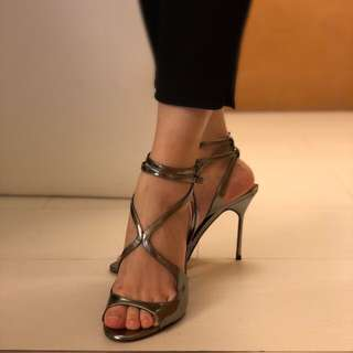 Carolina Harrera copper color high-heels