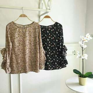 YUNA floral top Price : $24.50 with complimentary normal mailing