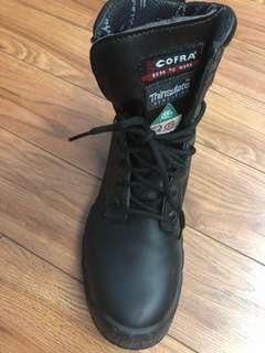 Steel toe boots women-size7/7.5 for men-size 8