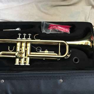 Bb golden trumpet