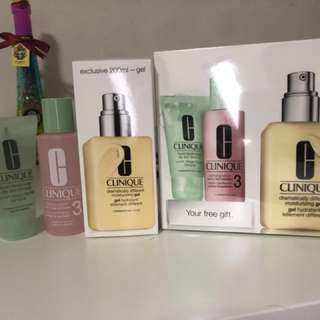 100% new with case:Clinique moisturising gel 200ml set with 30ml liquid facial soap and 60ml clarifying lotion